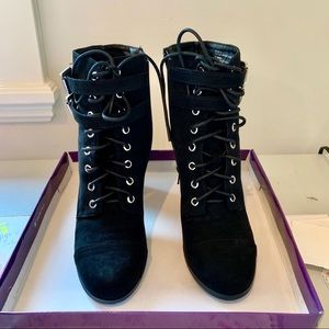 Madden Girl Black Lace Up Boots Size 8